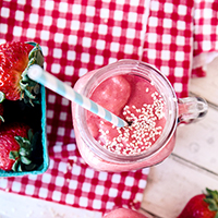 strawberry sesame smoothie featured image