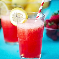 strawberry lemonade-2 featured image