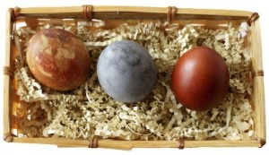 Dyeing-Eggs-Naturally