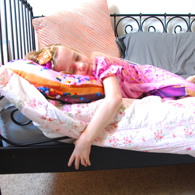 help your kids get a good nights sleep featured