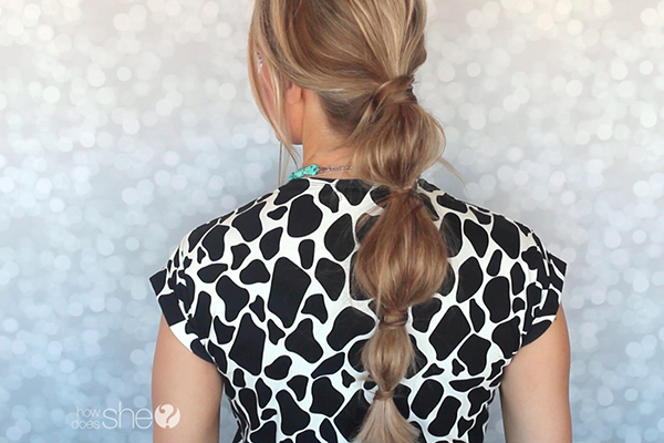 http://www.howdoesshe.com/wp-content/uploads/2015/03/how-to-create-a-cute-bubble-pony-tail.jpg
