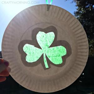 shamrock-sun-catcher-paper-plate-craft