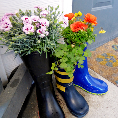 cute rainboot planter tutorial (featured)
