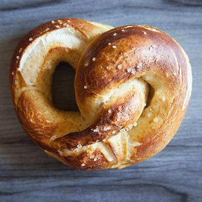 german style soft pretzels (18)