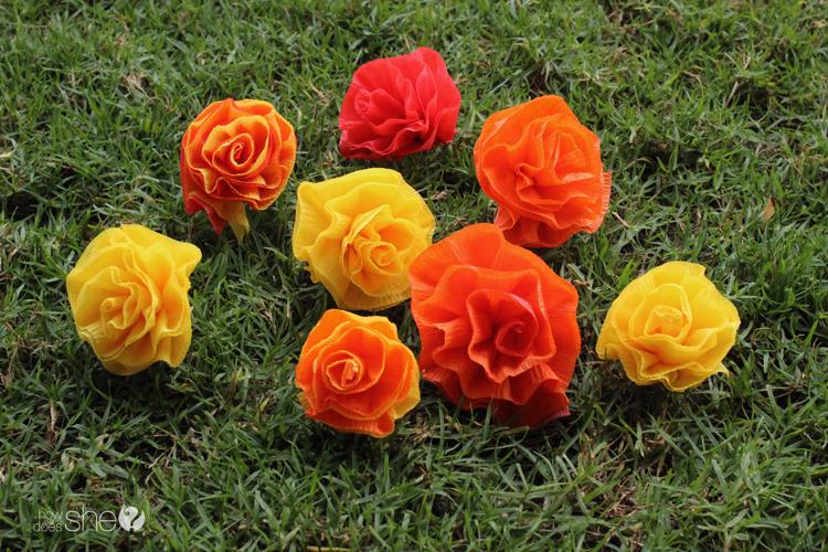 DIY Pretty & easy faux flower lei (3)