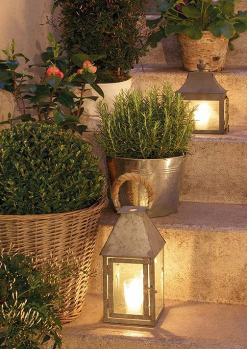 15 Garden Lanterns that Will Transform Your Yard to Romance Novel