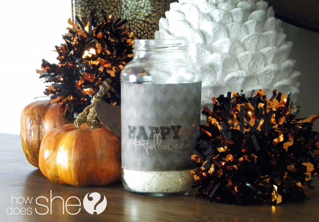 Chic Halloween Glowing Jars