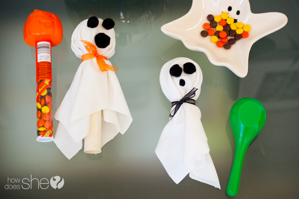 Halloween treat ghosts